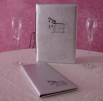 Cartas de Imitación a Piel del Restaurante Estrellas de San Nicolás. Un proyecto de Diseño de producto de JULIAN MACIAS  - 19-08-2014