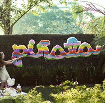 Tribute to the word Piñata. Um projeto de Design, Fotografia, Artesanato e Tipografia de Mapi Bg         - 20.10.2014