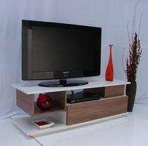 Mobiliario diseñado en PopCom s.a de c.v (Muebles Brett) . Um projeto de Design industrial de Jorge Luis Márquez Haro         - 06.01.2015