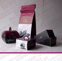 "pack ""florynata"". Um projeto de Packaging e Design de produtos de Inúsia comunicación gráfica         - 21.01.2015"