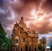 Interaccion en Parque Güell, Barcelona. Un proyecto de Fotografía y Paisajismo de Eduardo Mur         - 13.10.2014