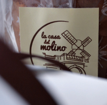 la casa del molino.. A Design, Art Direction, Br, ing, Identit, Creative Consulting, and Graphic Design project by areaveinte comunicación visual  - 31-08-2011