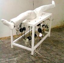 otra forma de escapar. Um projeto de Instalações, Artes plásticas e Escultura de juan mercado navarrete         - 16.04.2015