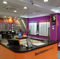 Retail Opticas San Gabino. Um projeto de Design, 3D e Arquitetura de interiores de Carmen San Gabino - 27-06-2015
