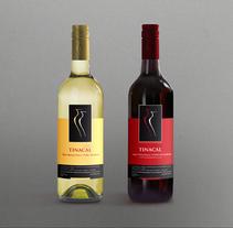 Diseño para etiquetas de vino. A Graphic Design, and Packaging project by Graciana Prenz         - 19.03.2016