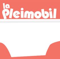 Cartel cortometraje 'La Pleimobil'. Un proyecto de Cine, vídeo, televisión y Diseño gráfico de Rosa López - 03-04-2016