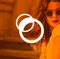 Rediseño Ópticas Romay. Um projeto de Publicidade, Br, ing e Identidade, Design gráfico e Web design de Bombo Estudio         - 30.11.2016