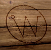 INWOODSTRY | In wood we trust > *Premio Marcas y Logos ALCE 2016. Un proyecto de Dirección de arte, Br, ing e Identidad, Diseño gráfico, Diseño Web y Naming de Fran  Sánchez - 09-10-2014
