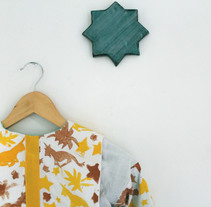 UNICORNIO AMARILLO - CHAQUETA BOMBER 6 -8 AÑOS. A Design, Photograph, Br, ing, Identit, Costume Design, Crafts, Fashion, and Fine Art project by Gemma Ramírez - 03-10-2017